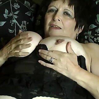 Three Short Clips of my Pretty Wife's Bare Bum