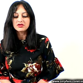 Housewife Gives A red Coloured Nylon Footjob - Cassie Clarke