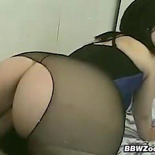 Guy Fucks His GFs Big Booty