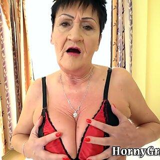 Old granny like eat cum