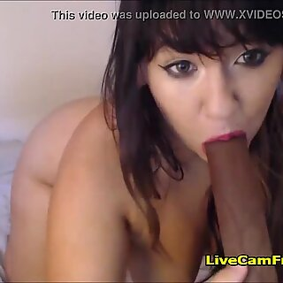 Thick and Curvy Latina MILF Made her Pussy Soaking Wet