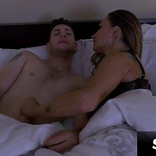 Hardcore Anal with Hot MILF Claudia Valentine - Spizoo