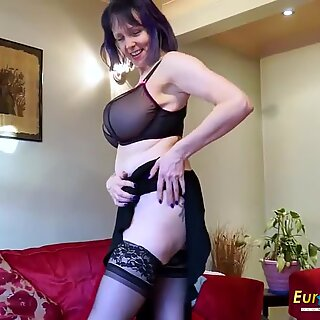 EuropeMaturE Lonely lady Solo masturbation flick