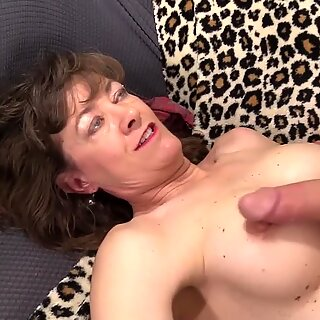 Slutty Grandma Babe Morgan Gets Her Old Pussy Stretched by a Long Dick
