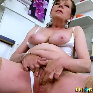 EuropeMaturE Hairy Pussy Granny Solo Seduction