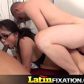 Mia Ryder Gets rammed in threesome
