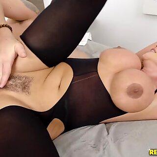 Jessy Jones goes hard on that milf pussy