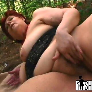 Sex-crazed granny Tamara greedily sucks hard dick and gets fucked in park