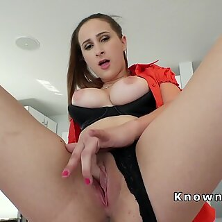 Busty amateur gets quickie before work
