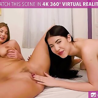 VR PORN - Two Lesbians Licking Each Other Pussies - Dee Dee