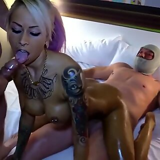 jaw-dropping ash-blonde having group fucky-fucky with several guys