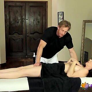 Hot Milf Gets Her Twat Cum Covered