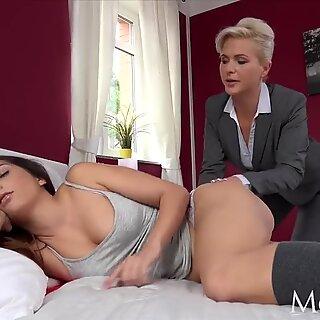 MOM Estate agent MILF wakes and fucks horny student