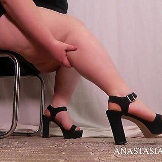 Femdom Worship the beautiful legs of mistress