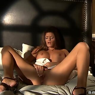 Fantastic sex bomb Madelyn Marie masturbates in the morning